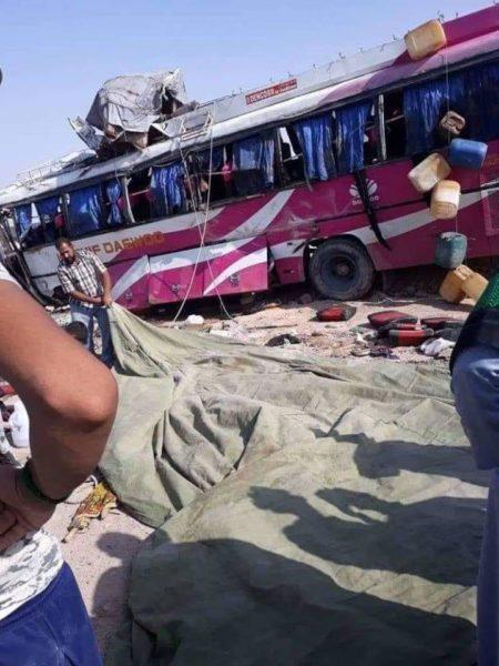 Photo of انقلاب حافلة في قضاء شط العرب شرقي البصرة تقل زائرين ايرانيين وباكستانيين