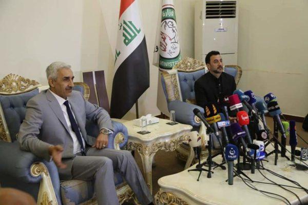 Photo of العبيدي يتسلم حقيبة وزارة الشباب والرياضة من عبطان