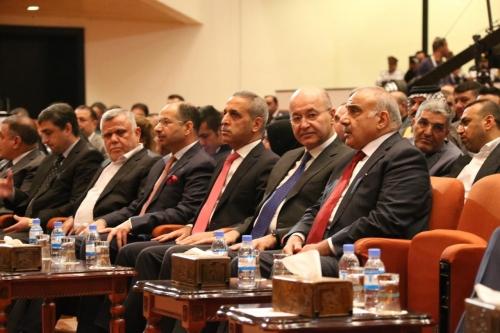 Photo of عاجل.. مصدر : عبد المهدي سيقدم 13 مرشحاً في جلسة اليوم وتأجيل الآخرين