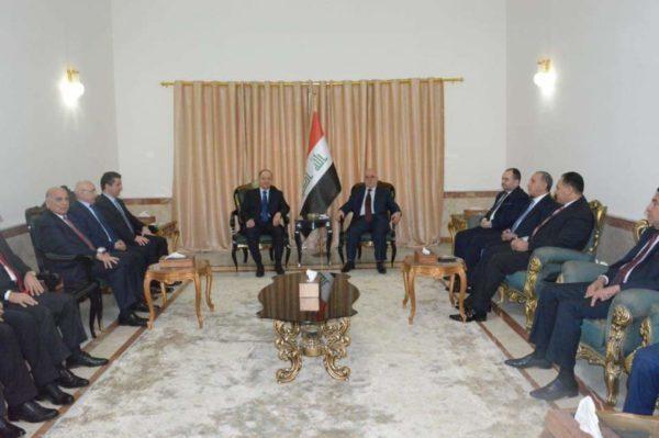 Photo of العبادي و بارزاني يؤكدان اهمية استمرار التنسيق والتعاون بين المركز والاقليم ضمن العراق الواحد