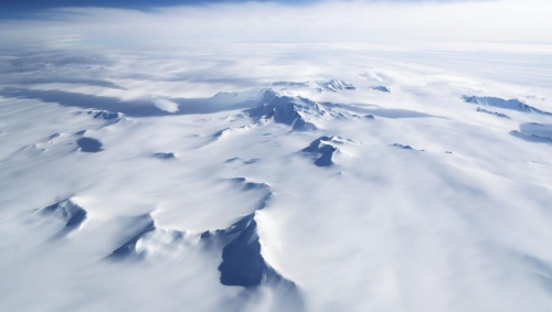 "Photo of بيانات قمر اصطناعي ""ميت"" تكشف قارات مفقودة تحت القطب الجنوبي"