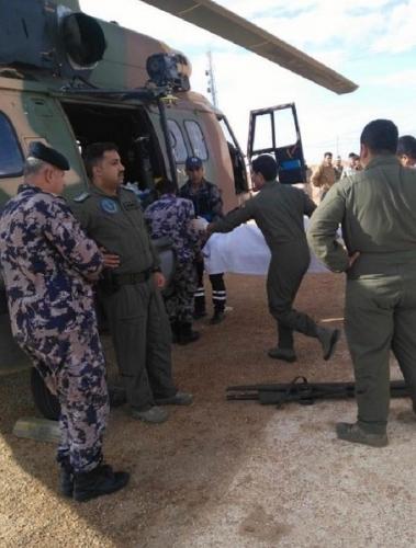 Photo of ملك الأردن يوجه باسعاف 4 جنود عراقيين