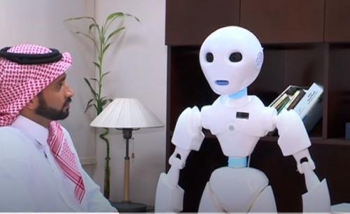 """Photo of الروبوت """"تقني"""" أول موظف آلي في وزارة التعليم بالسعودية"""