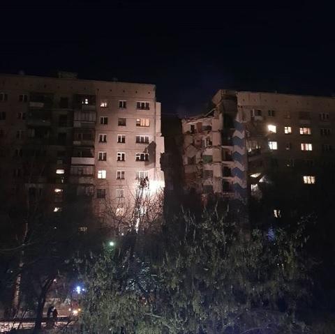 Photo of قتلى وجرحى بانهيار مبنى سكني جنوبي روسيا