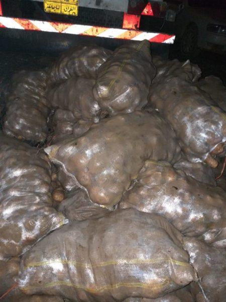 Photo of هيأة المنافذ : ضبط وأتلاف حمولة 6  أطنان من البطاطة الممنوع استيرادها في الشيب