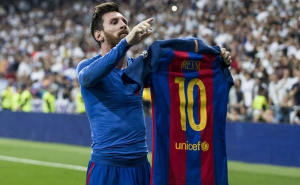 Photo of رئيس برشلونة يزف بشرى لعشاق الفريق وميسي