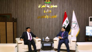 Photo of وزير الهجرة والمهجرين يستقبل السفير السوري لدى العراق لبحث اوضاع النازحين وآلية عودتهم