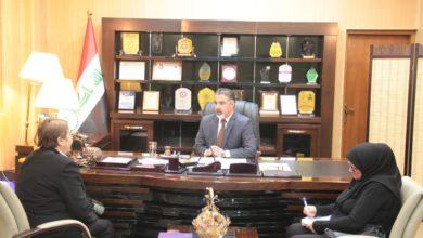 Photo of وزير العمل: نشجع المنظمات التي تعنى بالمرأة والطفل