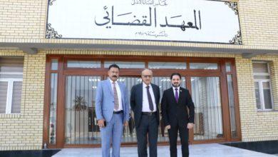 Photo of نقابة المحامين العراقيين تبحث تطوير آلية ٱمتحان الكفاءة مع المعهد القضائي
