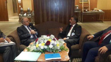 Photo of وزير العمل ونظيره الأردني يؤكدان أهمية بلورة الأفكار بما يسهم في إيجاد الحلول المناسبة للفئات الضعيفة