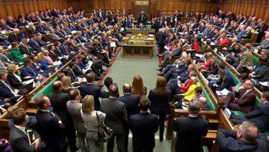 Photo of مجلس العموم البريطاني يطالب الاستعانة بمدرب ليفربول لحل أزمته