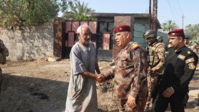 Photo of بالصور.. قائد عمليات بغداد يلتقي بعدد من اهالي الطارمية