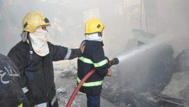 Photo of الدفاع المدني: حريق معمل السجائر اندلع في قاعة للمواد اللوجستية لمفوضية الانتخابات