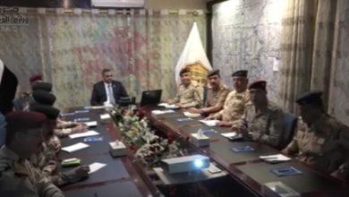 Photo of وزير الدفاع يزور قيادة العمليات المشتركة ويصدر أمراً