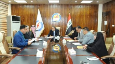 Photo of عضو لجنة الخدمات النيابية يستحصل موافقات رسمية لإنارة شوارع الحسينية والمدائن