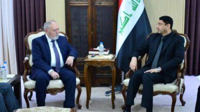 """Photo of الأمين العام لمجلس الوزراء يبحث مع السفير الروماني ملف """"الاستثمار الأجنبي"""" في العراق"""