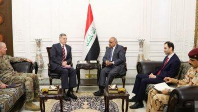 Photo of رئيس الوزراء يبحث مع السفير الامريكي تطوير العلاقات بين البلدين والتعاون المشترك لمحاربة بقايا داعش الارهابي