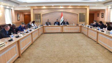 Photo of المُتحدّث باسم وزارة الخارجيّة يلتقي عدداً من مسؤولي الملفات الإعلاميّة في المنظمات والوكالات الدوليّة العاملة في بغداد