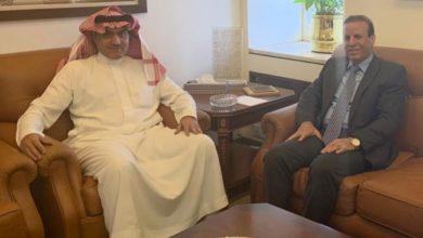 Photo of سفير جمهوريّة العراق لدى الرياض يلتقي وزير الدولة لشؤون الخليج العربيّ