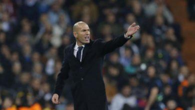 Photo of زيدان يحتج على الحكم: لقد حرم ريال مدريد من ركلة جزاء امام بيتيس