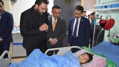 Photo of الكعبي يستجيب لنداء الطفلة مينه حاتم ويزورها في مدينة الطب