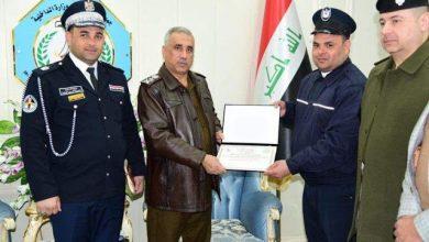 Photo of وكيل الداخلية لشؤون الشرطة يكرم رجل المرور الذي تعرض للاعتداء في ذي قار