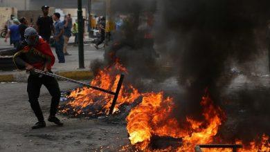 Photo of محتجون يقطعون بالاطارات المحترقة جسر النصر وسط الناصرية