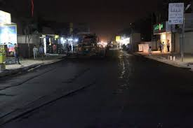 Photo of استمرار اعمال صيانة واكساء الشوارع التي تعاني من المطبات في الزبير