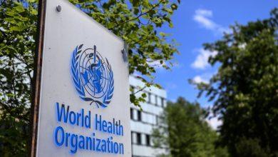 """Photo of الصحة العالمية تزفُ """"بيانات سارة"""" حول تفشي وباء كورونا"""