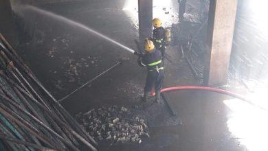 Photo of بالصور : حريق كبير في الاعظمية داخل قالب خشب في بناية قيد الانشاء قرب محطة وقود راس الحواش