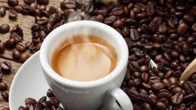 Photo of مخاطر شرب القهوة في الطقس الحار