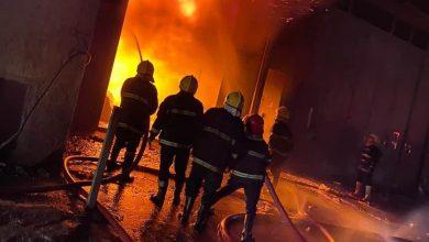 Photo of الدفاع المدني يسيطر على حريق داخل مخزن للعطور في منطقة جميلة