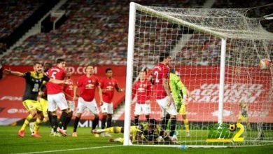 Photo of مانشستر يونايتد يسقط في فخ التعادل في الوقتالقاتل