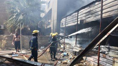 Photo of الدفاع المدني ينقذ عائلة ويخمد حريقا في ثلاث مولدات كهربائية وسط بغداد