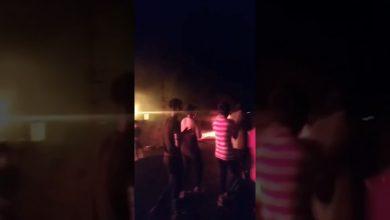 Photo of بالفيديو | محتجون غاضبون في الجبايش يقطعون الطرق احتجاجاً على تردي خدمة الكهربائيـة
