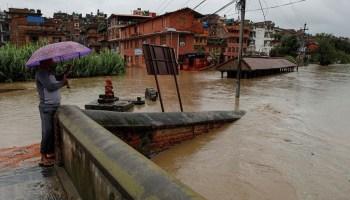 Photo of فيضانات تضرب بنغلادش وتودي بحياة المئات