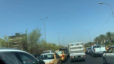 Photo of مراسلنا: اختناقات مرورية بسبب قطع سريع محمد القاسم من قبل المتظاهرين في العاصمة بغداد