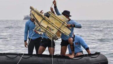 Photo of إندونيسيا تعلن العثور على مسجلات الصندوق الأسود للطائرة المنكوبة