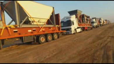 Photo of محافظ البصرة وصول (٢٨) شاحنة تحمل معدات معمل اسفلت أبي الخصيب والفاو بطاقة انتاجية ١٤٠ طن في الساعة