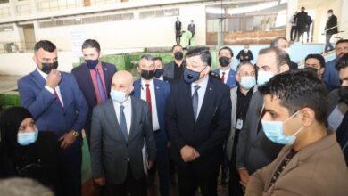 Photo of وفد وزاري يفتتح المحطة المركزية في المركز الوطني لأدارة الموارد المائية
