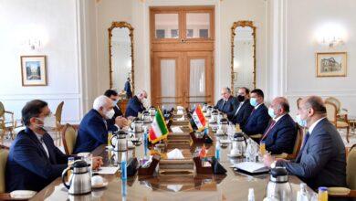 Photo of وزير الخارجيّة يلتقي نظيره الايراني لبحث العلاقات الثنائيّة بين البلدين والوضع الإقليمي والدولي